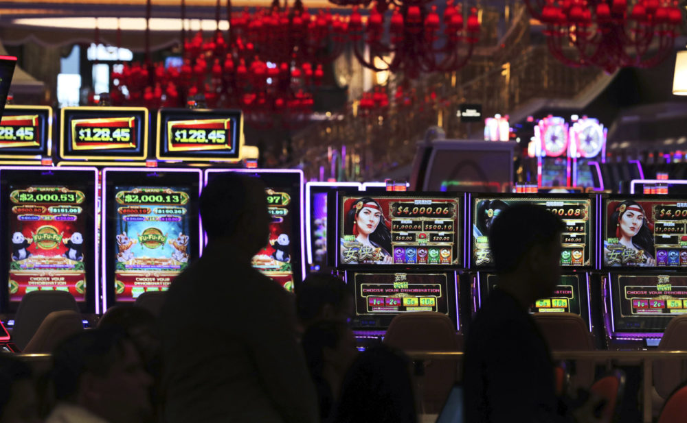 Playing The Ultimate Casino Slots For Earning Big Money